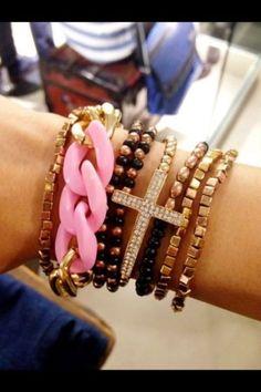 Glamour. Bracelets