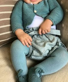tutorial y patrones gratis jersey Hipster Baby Clothes, Baby Kids Clothes, Baby & Toddler Clothing, Toddler Outfits, Boy Outfits, Bebe Baby, My Baby Girl, Baby Girl Fashion, Toddler Fashion