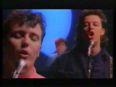 "TEARS FOR FEARS / EVERYBODY WANTS TO RULE THE WORLD (1985) -- Check out the ""I ♥♥♥ the 80s!!"" YouTube Playlist --> http://www.youtube.com/playlist?list=PLBADA73C441065BD6 #80s #1980s"