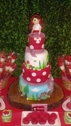 Birthday cake by Dulce Galeria