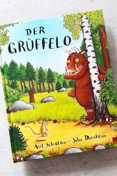 Das Buch handelt von einer schlauen Maus, die sich den Grüffelo selber ausdenkt, später aber wirklich trifft. Besonders gut gefallen mir natürlich die Bilder und auch die Reime - perfekt für Kinder! Cover, Books, Art, Book Presentation, Book Recommendations, Primary School, Pictures, Art Background, Libros