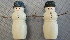 This is a cool idea to make snowmen out of yogurt bottles.