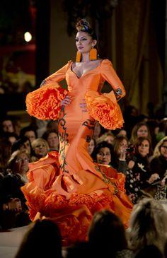Flamenca New Fashion, Fashion Models, High Fashion, Fashion Show, Womens Fashion, Special Dresses, Nice Dresses, Flamenco Dresses, Rose Bonbon