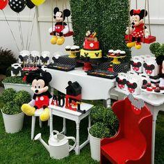 Festa Mickey Baby, Minnie Mouse Birthday Decorations, Mickey Mouse Birthday Invitations, Mickey Mouse First Birthday, Theme Mickey, Mickey Mouse Clubhouse Birthday Party, Kids Birthday Themes, Mickey Mouse Parties, Mickey Party
