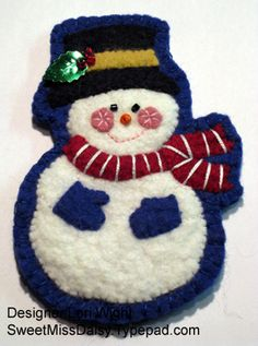A wealth of great ideas for felties and other Christmas ornaments and decorations