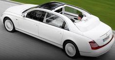 世界 高級車 ランキング 2015  第9位 Maybach Landaulet マイバッハ  世界 高級車 ランキング 2015 約1億3000万  高級感漂うドッシリとしたデザインが特徴のMaybach Landaulet 後部座席上部に電動油圧システムによるソフトトップを備えたものです。 広々とした高級感のあるインテリアが、ルーフはボタン一つで開閉が可能である。