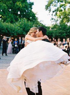 full skirt wedding dress | Photography: Jessica Burke