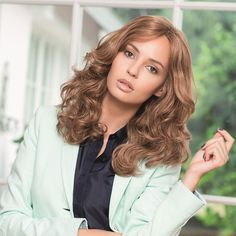 Customer Review for the Meredith Luxury Lace wig from Gisela Mayer here