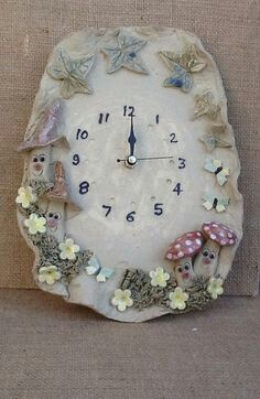 Whimsical mushroom wall clock ceramic clock kitchen by Sallyamoss, click the link now for more info. Pottery Houses, Slab Pottery, Ceramic Pottery, Ceramic Art, Ceramic Bowls, Diy Clock, Clock Decor, Clock Ideas, Wall Clock Design