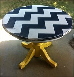 Navy/white/yellow distressed chevron table! Cute!    Facebook: Katie Goodwin Art