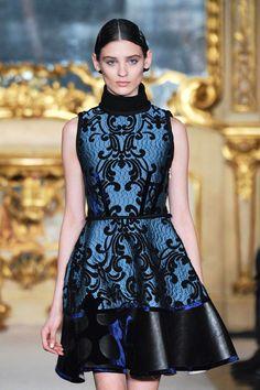 Lavish & luxe > photo 1855172 > fashion picture