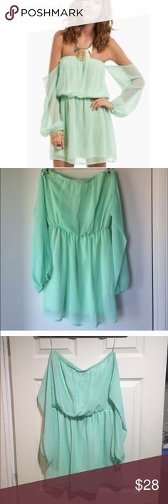 Tobi strapless green dress Light green tobi strapless dress with long sleeve. Great condition Tobi Dresses Strapless