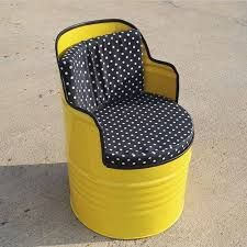 Used oil barrels only upsurge landfills, after serving their purpose in industries. With increasing metal scrap, even environmental hazards are rising Barrel Furniture, Barrel Chair, Steel Furniture, Industrial Furniture, Drum Seat, Drum Chair, Recycled Furniture, Diy Furniture, Metal Barrel