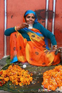A cup of tea and marigolds in Rajasthan by Pascal Mannaerts We Are The World, People Of The World, Namaste, Mother India, Amazing India, Mughal Empire, Jaipur India, India People, India Colors