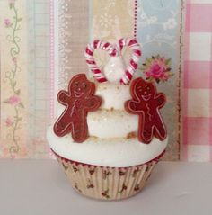 GINGERBREAD BOYS FAKE CUPCAKE WITH PEPPERMINT CANDY CANE HEART CHRISTMAS DECOR #FAKECUPCAKECREATIONS