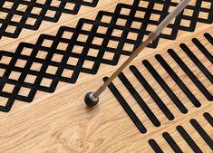 Taktiler, wohnlicher Holzboden für Menschen mit Seheinschränkung