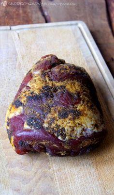Zdjęcie: Suszona szynka / Dried ham Kielbasa, Polish Recipes, Smoking Meat, Pork Recipes, Banana Bread, Lamb, Sausage, The Cure, Grilling