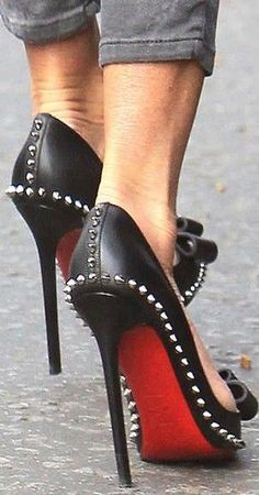 2015 Christian Louboutin Shoes are popular online, not only fashion but also amazing price $115, Get it now!