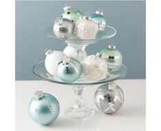 Martha Stewart Crafts Centerpiece idea for Christmas Ornament xmas decorations - #Christmas Click thru for the full tutorial #plaidcrafts #crafting #diy Great Christmas Craft Ideas #marthastewartcrafts
