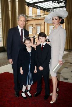 Michael Douglas & Catherine Zeta -Jones with their children