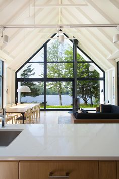 Cottage Great Room Design by YH2 architects | DPAGES
