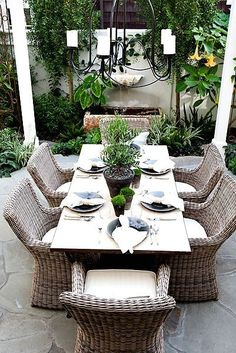 Some Great Suggestions for Springtime Patio Furniture – Outdoor Patio Decor Outdoor Areas, Outdoor Rooms, Outdoor Living, Outdoor Decor, Outdoor Plants, Potted Plants, Porch Furniture, Outdoor Furniture Sets, Rustic Furniture