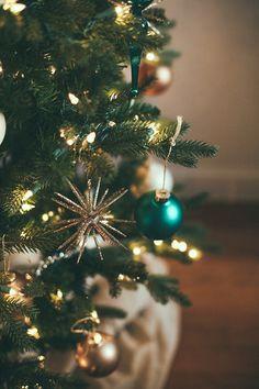 neutral boho christmas decor // jojotastic.com