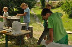 Bildhauer-Workshop für Kinder im Skulpturenpark des Kunstmuseum Waldviertel in Schrems