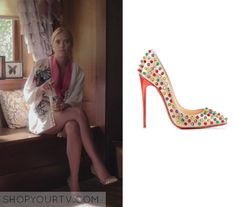 Pretty Little Liars: Season 6 Episode 13 Hanna Marin (Ashley Benson) wears these studded heels in this week's episode of Pretty Little Liars. It is the Christian Louboutin Follies Spiked Patent Red Sole Pump. Pretty Little Liars Outfits, Pretty Little Liars Seasons, Hanna Marin, Fashion Tv, Fashion Outfits, Tv Show Outfits, Pll Cast, Black Playsuit, Studded Heels