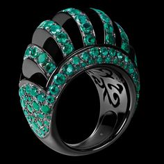 de Grisogono - ARCOBALENO Collection White gold with black nano-ceramic coating - emeralds Colloidal Silver Secrets! Black Jewelry, High Jewelry, Jewelry Box, Jewelry Rings, Jewelry Accessories, Jewelry Design, Jewellery, Gemstone Jewelry, Ceramic Coating