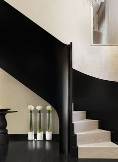 staircase | stairs | handrail | black & white | Kelly Hoppen. London - Pied A Terre