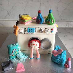 "Cake Art Lookbook on Instagram: ""When🎂 is art! This artistic creation via @elisa_ehiii  #cake #art #fondantart #specialtycakes #cakedecorator #cakevideo #caketutorial…"" Wilton Cakes, Cake Videos, Specialty Cakes, Buttercream Cake, Cake Tutorial, Cookies Et Biscuits, Cake Art, Amazing Cakes, Fondant"