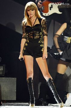 Taylor Swift lookin' good on stage.