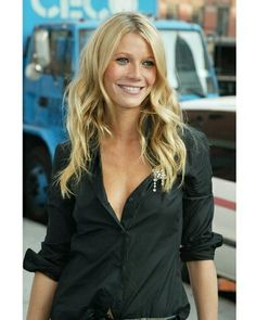 Smoking hot actress Gwenyth Paltrow