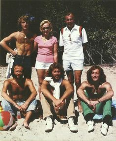 Andy, Maurice, Barry, Robin Gibb with their parents, Barbara and Hugh