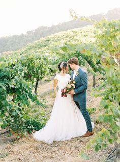 Central Coast Winery Wedding Ideas with Farmhouse Charm | Hey Wedding Lady Barn Wedding Photos, Wedding Shoot, Wedding Ceremony, Wedding Day, Rustic Bouquet, Rustic Flowers, Fall Flowers, Photography Workshops, Film Photography