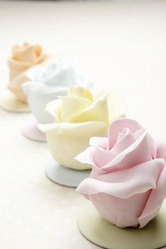 Roses Cupcakes by Debbie Brown Palette Pastel, Pastel Colors, Pastel Roses, Roses Roses, Soft Pastels, Soft Colors, Colours, Mini Cakes, Cupcake Cakes