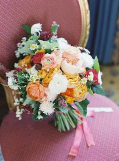 To see more romantic details from this CA wedding: http://www.modwedding.com/2014/11/25/peachy-keen-california-wedding-jen-huang-photography/ #wedding #weddings #bridal_bouquet