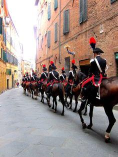 Siena - Carabinieri a cavallo