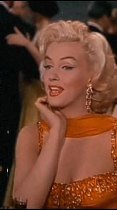 Queen Aesthetic, Aesthetic Indie, Aesthetic Movies, Princess Aesthetic, Aesthetic Collage, Aesthetic Videos, Marylin Monroe, Pink Wallpaper Girly, Aesthetic Photography Nature