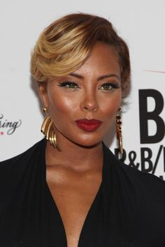 'America's Next Top Model' Star Expecting First Child Eva Marcille is about to be America's next top mom. The TV personality, who won cycle three of America's Next Top Model in is five month. Short Hair Undercut, Undercut Hairstyles, Cool Hairstyles, Undercut Women, Latest Hairstyles, Eva Marcille, Short Sassy Hair, Short Hair Cuts, Short Hair Styles