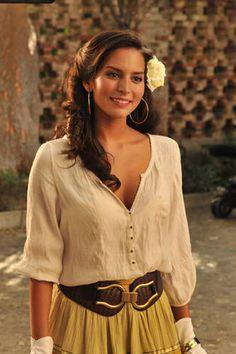Genésis Rodríguez. Such a cute outfit!
