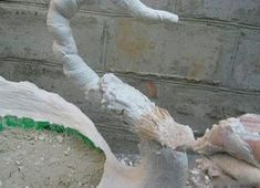 Recycle your big plastic bottles and transform them into amazing swan pot planters. They are nice an Diy Recycle, Recycling, Diy Water Fountain, Cement Pots, Recycle Plastic Bottles, Have Some Fun, Clay Crafts, Garden Art, Swan