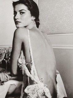 Portraits, nice arch on her back, stylish.