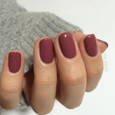 17 Fashionable Office Nail Designs: #4. Chic Maroon Nail Design