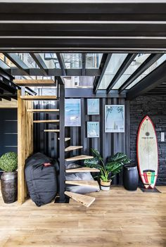 He Built His Luxury House Alone with Six Containers in France - Living in a Container Shipping Container Sheds, Shipping Container Home Designs, Container House Plans, Container House Design, Surf House, Container Architecture, Barn House Plans, House Stairs, Luxury Homes Interior