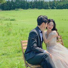 Korean Wedding Photography, Couple Photography, Korean People, Im Single, Ulzzang Couple, Best Couple, Wedding Couples, Find Image, Dream Wedding