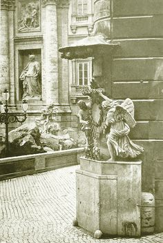 Via del Lavatore, right next to the Trevi Fountain in 1930 (Rome, Italy) Trevi Fountain, City Scene, Old Photographs, Old City, Rome Italy, Black And White, World, Travel, Painting