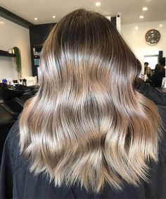 50 Awesome Light Brown Hairstyle Ideas to Find a Look that Fits Your Style Perfectly #lightbrownhair #brownhairstyle #brownhair #lightbrown