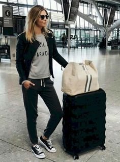 Nice 15 Comfortable Airport Outfit to Copy